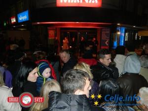 Koncert A-Kamele je na celjske ulice privabil številne obiskovalce, željne dobre glasbe.