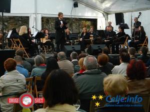 Koncert orkestra Akord je povsem napolnil Špital za prjatle.