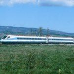 Zaradi najdbe sumljivega predmeta oviran promet na progi Celje-Maribor