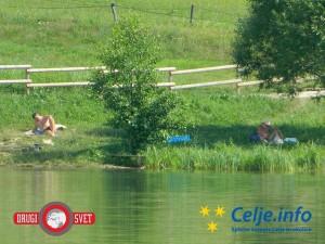 Šmartinsko jezero z okolico je odlično mesto za počitek ali rekreacijo.