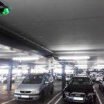 Na parkiriščih goljufivo povzročata nesreče