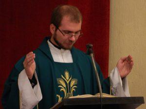 Sveto mašo je daroval stolni kaplan Ivan Hrastnik