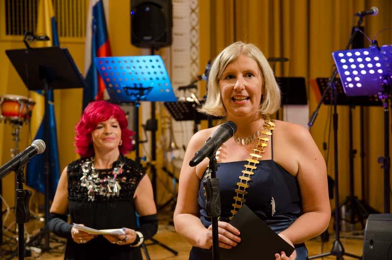 Zbrane je nagovorila letošnja predsednica Katja Dosedla.