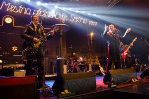 Skupina Rok'n'band je zabavala 5000 glavo množico na Krekovem trgu.