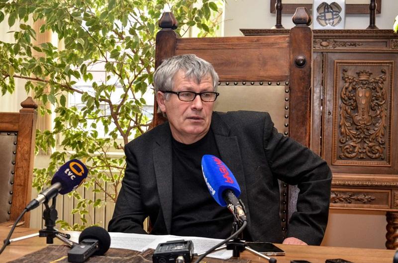 Direktor Pokrajinskega muzeja Celje Stane Rozman je novinarjem podrobneje predstavil projekte muzeja v letu 2016 in 2017.
