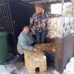 DPMŽ Celje v dar prejelo izolirane in s slamo napolnjene hišice za prostoživeče mačke