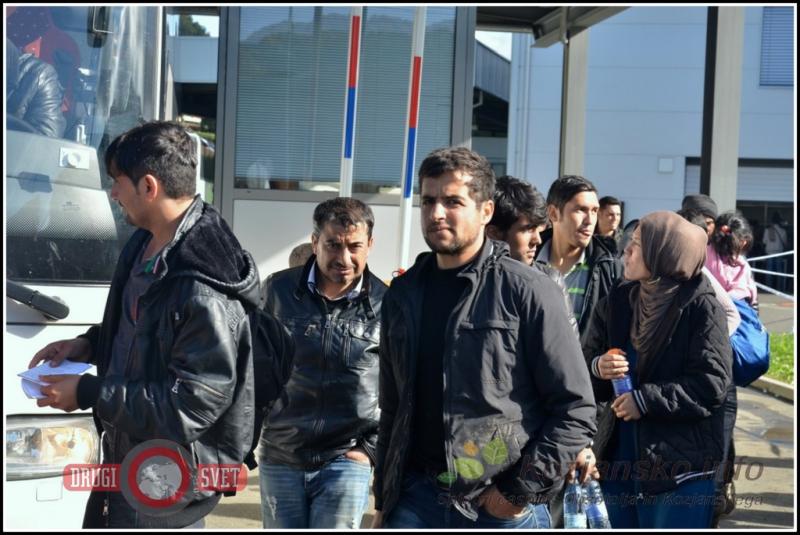 Med begunci v Celje prihajajo tudi Ahmed, Mohammad in Djihad iz Alepa.