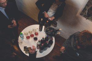 Večer nad mestom je postregel z vrhunskimi vini.