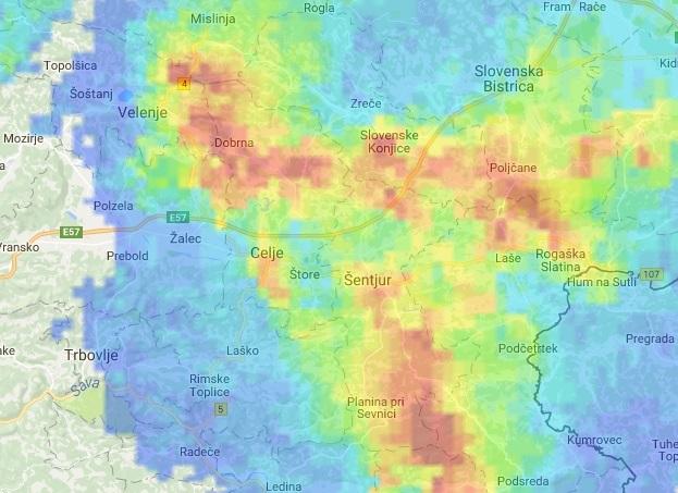 Radarska slika jakosti padavin ob 20:00; vir: ARSO.