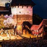 Vabimo na štiri predstave muzikala Veronika Deseniška na Stari grad Celje