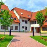 Pretepa v centru za usposabljanje in domu starejših