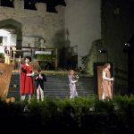 Veliki oder sveta – mladi Celjani na Starem gradu odigrali špansko dramo (foto, video)