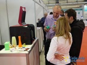 Obiskovalci so radovedno spoznavali inovativne digitalne rešitve.