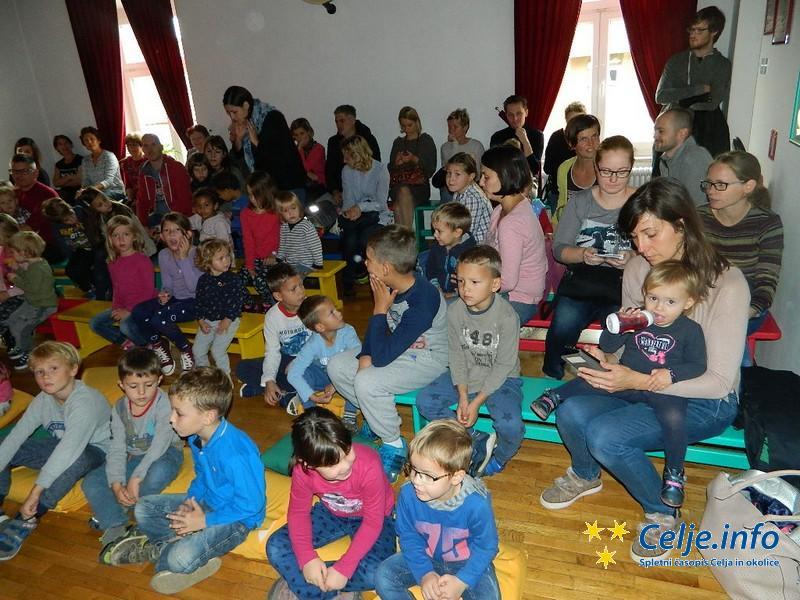 Glasbene sobotnice so pritegnile veliko staršev z otroki.