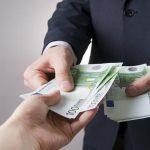 Ujeli ponarejevalca denarja