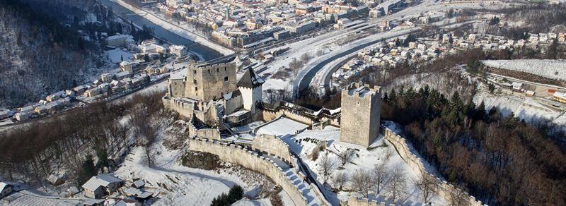Stari grad Celje vsako leto pritegne veliko zanimanja turistov.