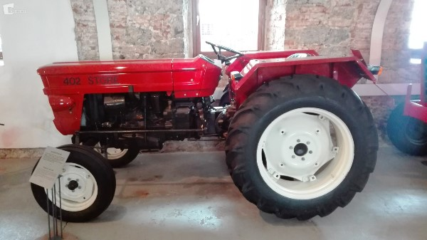 Prvi štorski traktor
