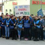 Stavka šolnikov na celjskem Krekovem trgu: povedali so nam, zakaj so prišli na ulice. Javnost pa si misli svoje …