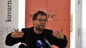 Nekatere kavarniške je moderiral tudi direktor, dr. Tonček Kregar