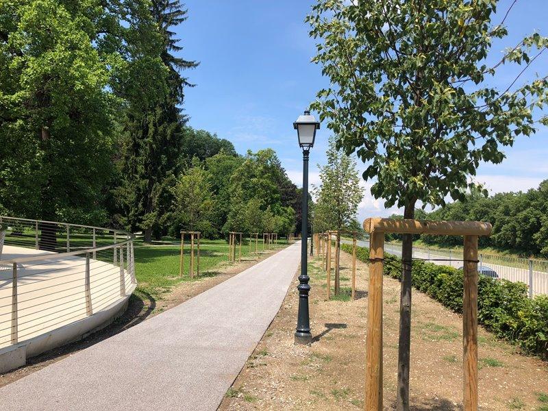 asfaltirana-sprehajalna-pot-v-mestnem-parku-celje