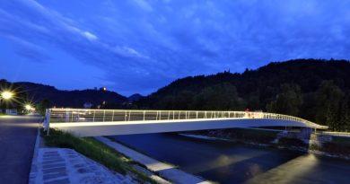 splavarski_most_zvecer