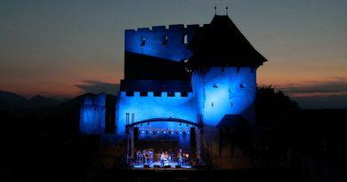 Massimo je v zavetju Starega gradu Celje poskrbel za izjemen koncert.