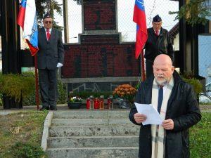 Branko Verdev med nagovorom v Škofji vasi.