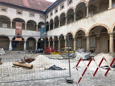 muzejski_trg_gradbisce_oktober_2018