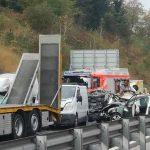 Znane podrobnosti o ponedeljkovi nesreči na avtocesti