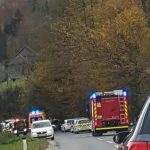 Smrtna nesreča motorista – 19-letnik trčil v 64-letnika, uhajanje ogljikovega monoksida