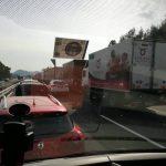 Avtocesta po nesreči spet odprta, še vedno zastoji