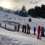 Otroci iz Baške preživljajo lep zimski teden na Celjski koči
