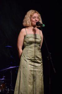 Upravnica gledališča mag. Tina Kosi je izrazila zadovoljstvo ob uspešno izvedenih Dnevih komedije.