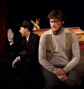 Luka Žerjav (levo) se je prvič preizkusil kot zarjevec, podobno vlogo pa je sicer igral pri KUD Alma Karlin pred 20 leti, kjer je sodeloval tudi Niko Korenjak