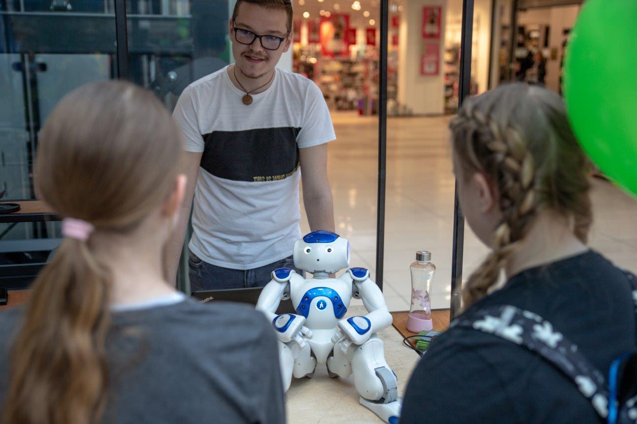 robot-nao_m-holobar