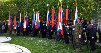 slovesnost-ob-dnevu-upora-proti-okupatorju-34