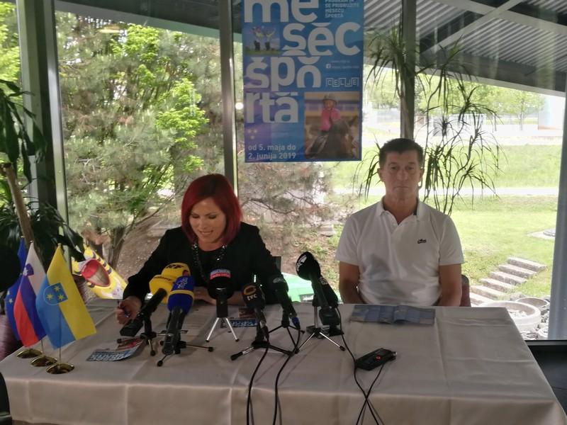 Celjska podžupanja Breda Arnšek in predstavnik Športne zveze Celje Hasan Ibrić sta predstavila program in poslanstvo Meseca športa.