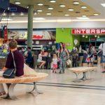 Citycenter Celje na svoje nakupovalne ulice postavil unikatne klopi
