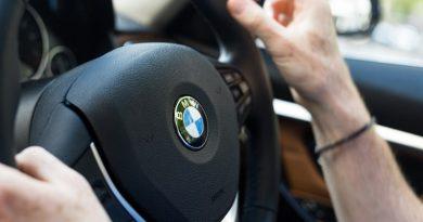 Voznik začetnik s hitrostjo 121 km/h divjal po Mariborski cesti v Celju
