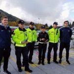 Policisti in celjski rokometaši nagradili vzorne voznike (foto)