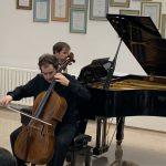 V Gallusovi dvorani Glasbene šole Celje nastopil čelist Sebastian Bertoncelj