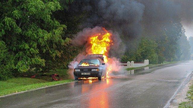 car-accident-2789841_640