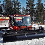Smučarka na Rogli padla pod teptalnik snega in umrla