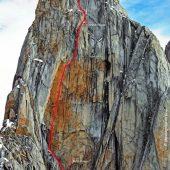 Vris prvenstvene smeri Luke Krajnca in Luke Lindiča Mir v jugovzhodni steni St. Exuperyja v Patagoniji (vir Patagonia Vertical)