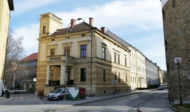 Vila na Vodnikovi 14 bo spremenjena v oskrbovana stanovanja