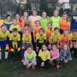 Ženski nogometni klub Savinja doniral Civilni zaščiti Celje. Tudi vzgojiteljice šivajo zaščitne maske