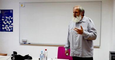 Na Ljudski univerzi Celje odprli fotografsko razstavo in pripravili predavanje patra Gržana (foto, video)