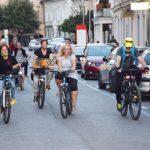 Nekaj kolesarjev se je protestno zapeljalo tudi po Celju  (foto)