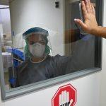 Drugi val še naprej pojenja. SB Celje včeraj z največjim povečanjem hospitalizacij med slovenskimi bolnišnicami