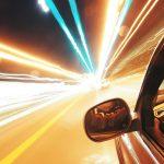 Voznik pod vplivom alkohola po avtocesti divjal z 220 km/h